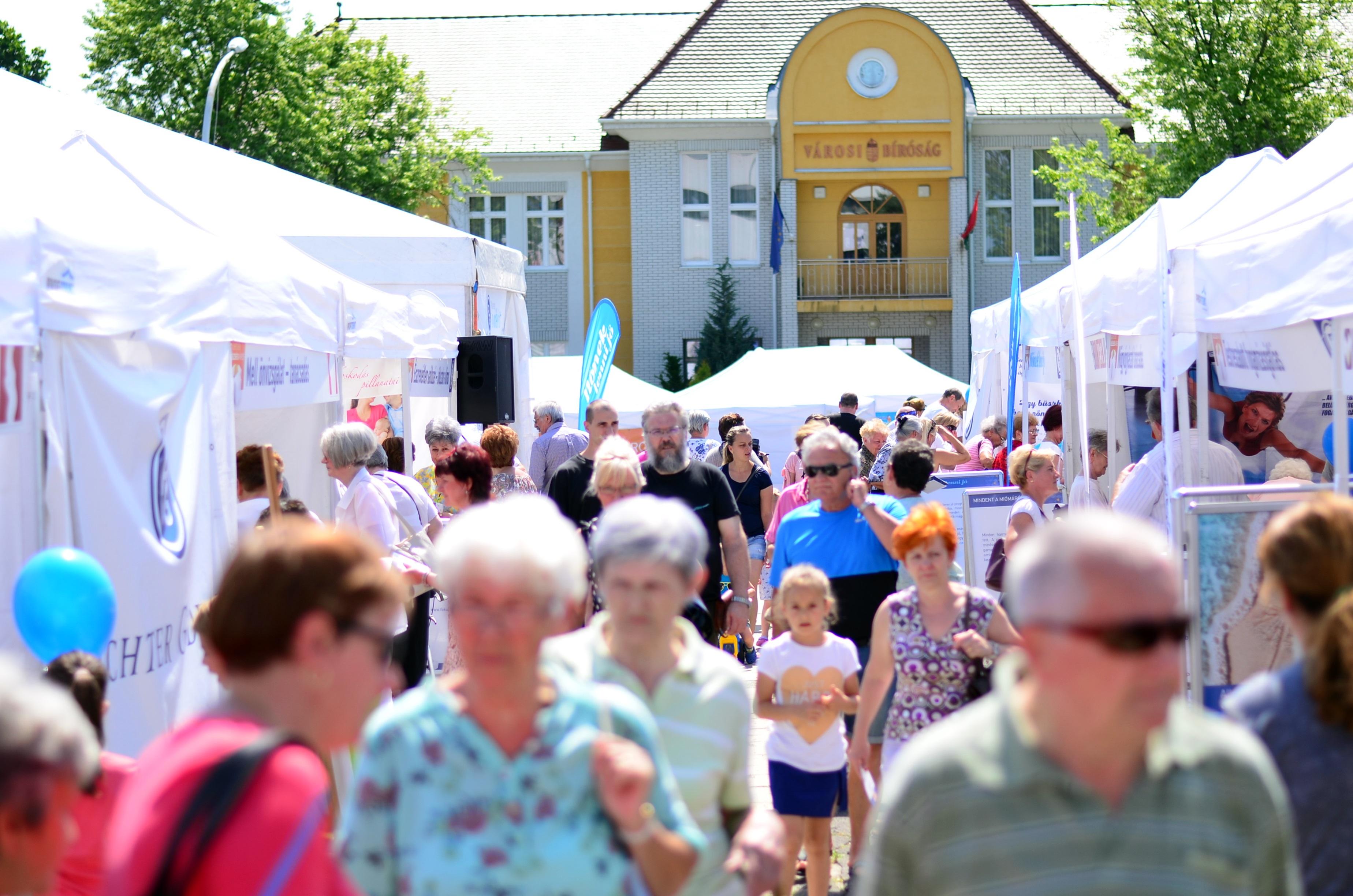 http://kolorline.hu/Rekordközeli összeget gyűjtött Kazincbarcika a kórházának