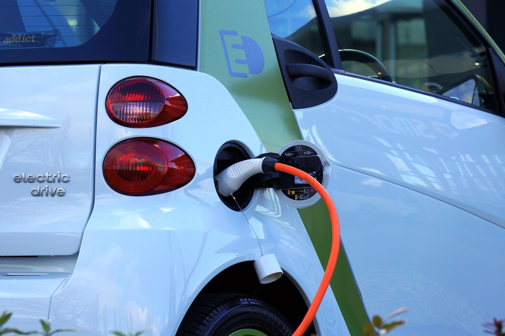 https://kolorline.hu/Ismét lehet pályázni elektromos autó vásárlására