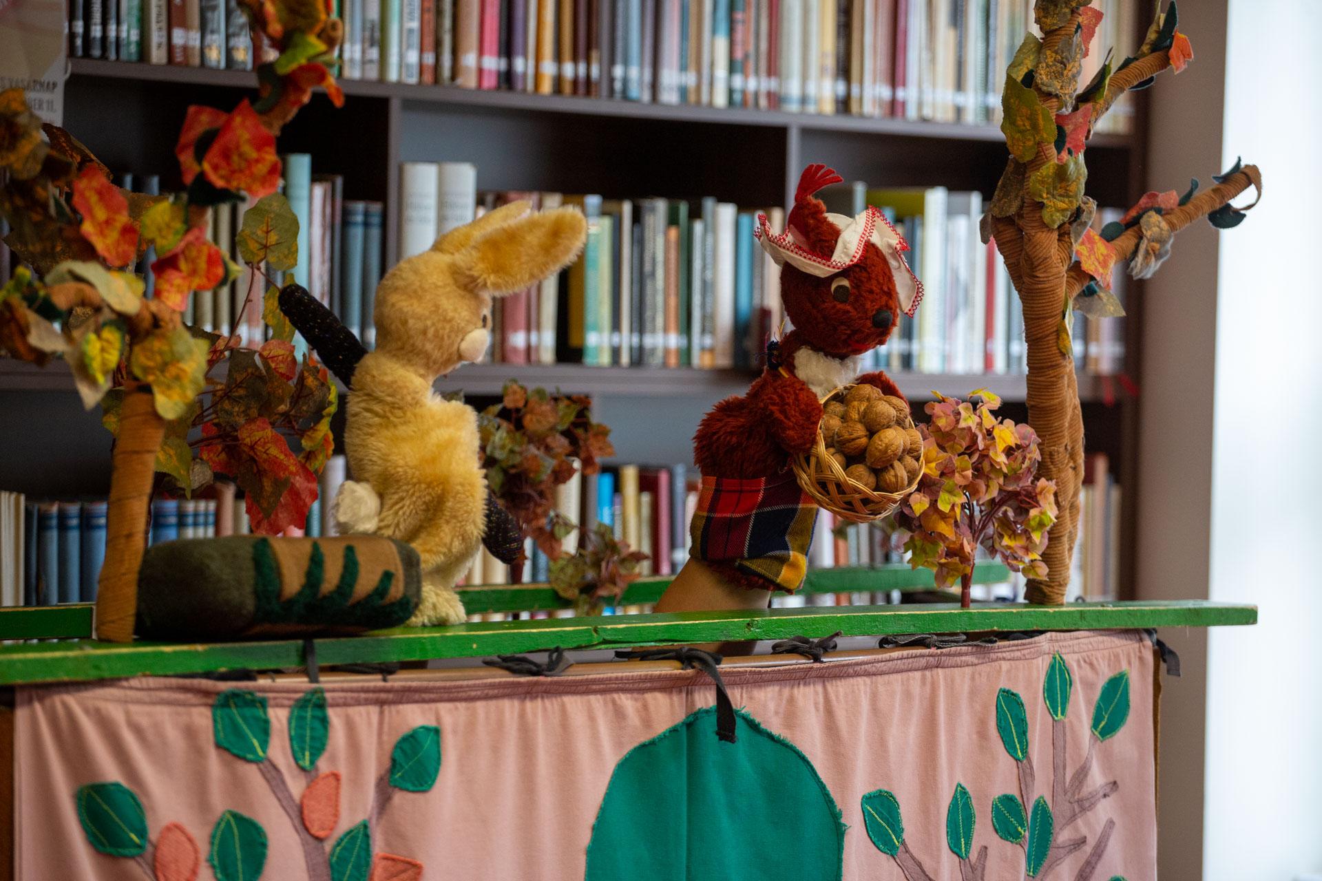 Könyvtári napok - bábelőadás