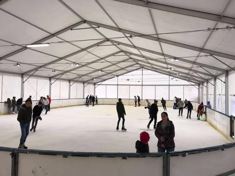 https://kolorline.hu/Örömhír a jeges sportok szerelmeseinek: megnyitott a jégpálya!