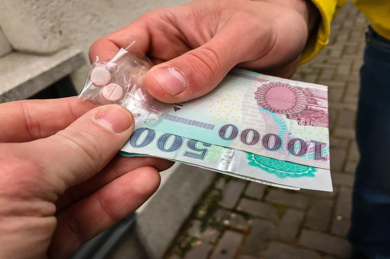 https://kolorline.hu/Alsónadrágban csempésztek drogot Kazincbarcikára