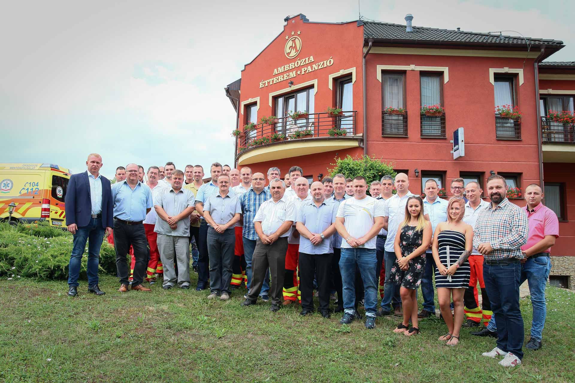 https://kolorline.hu/Idén is köszöntötte a mentősöket Kazincbarcika