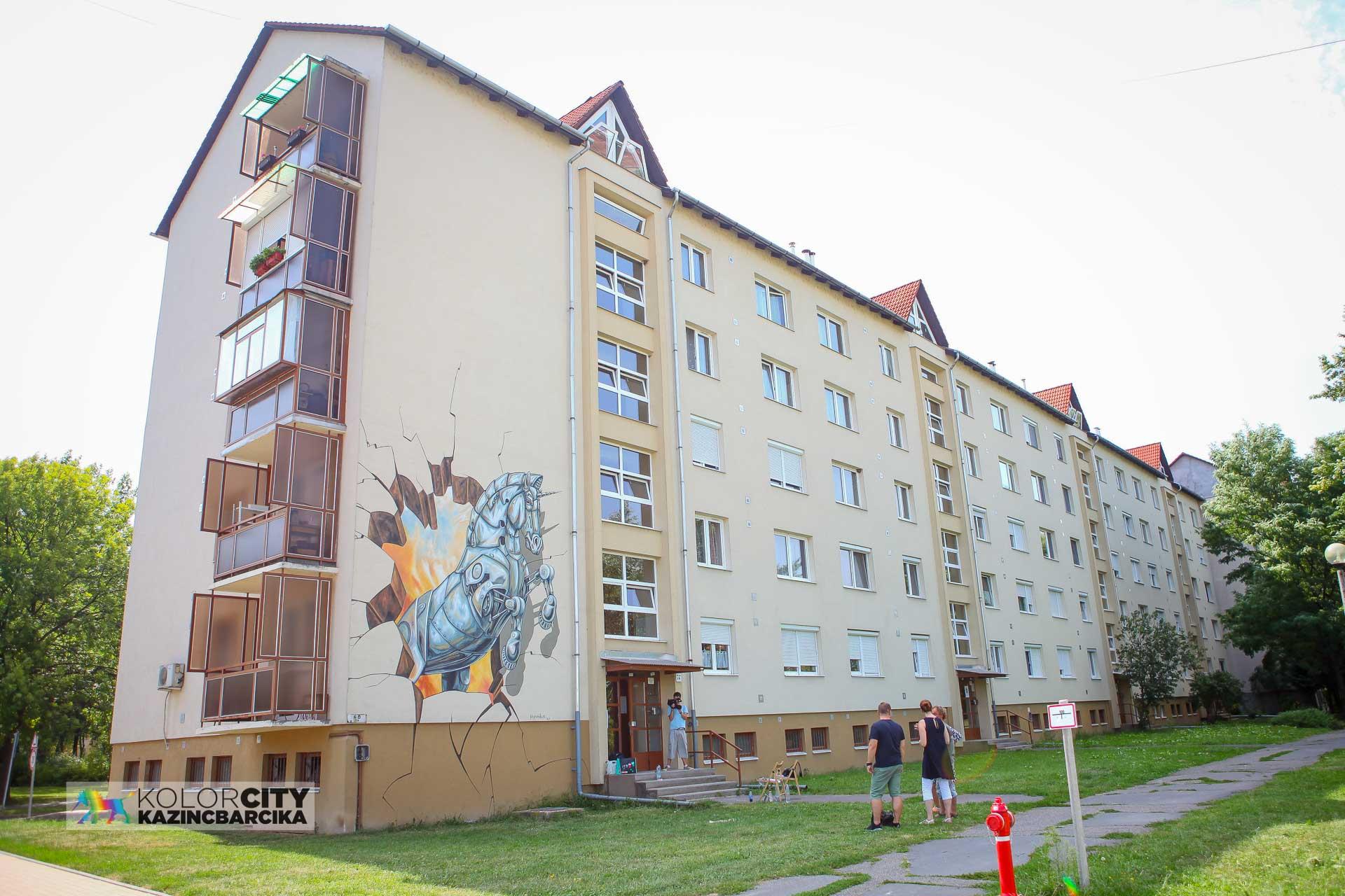http://kolorline.hu/3D-s falfestés színesíti Kazincbarcikát