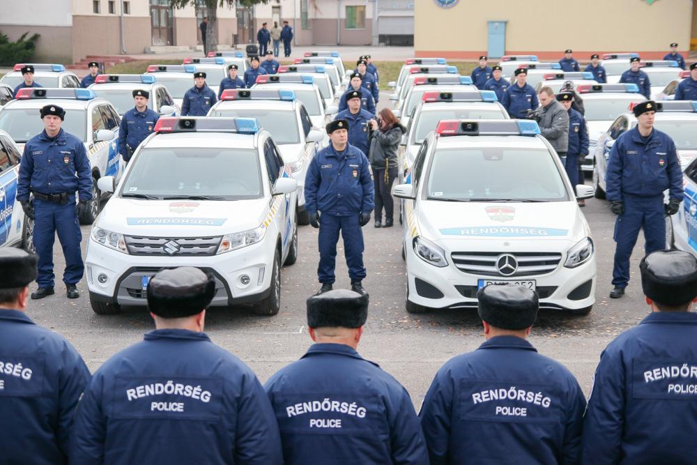 Több, mint száz új rendőrautóval megyei rendőr-főkapitányság járműparkja