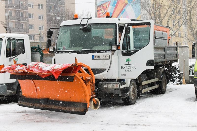 https://kolorline.hu/Járhatóbb utak a hóesésben