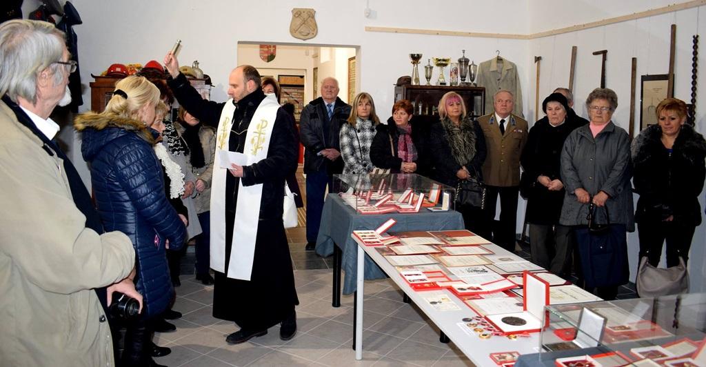 http://kolorline.hu/Szent Borbála őrzi a bányászok emlékét