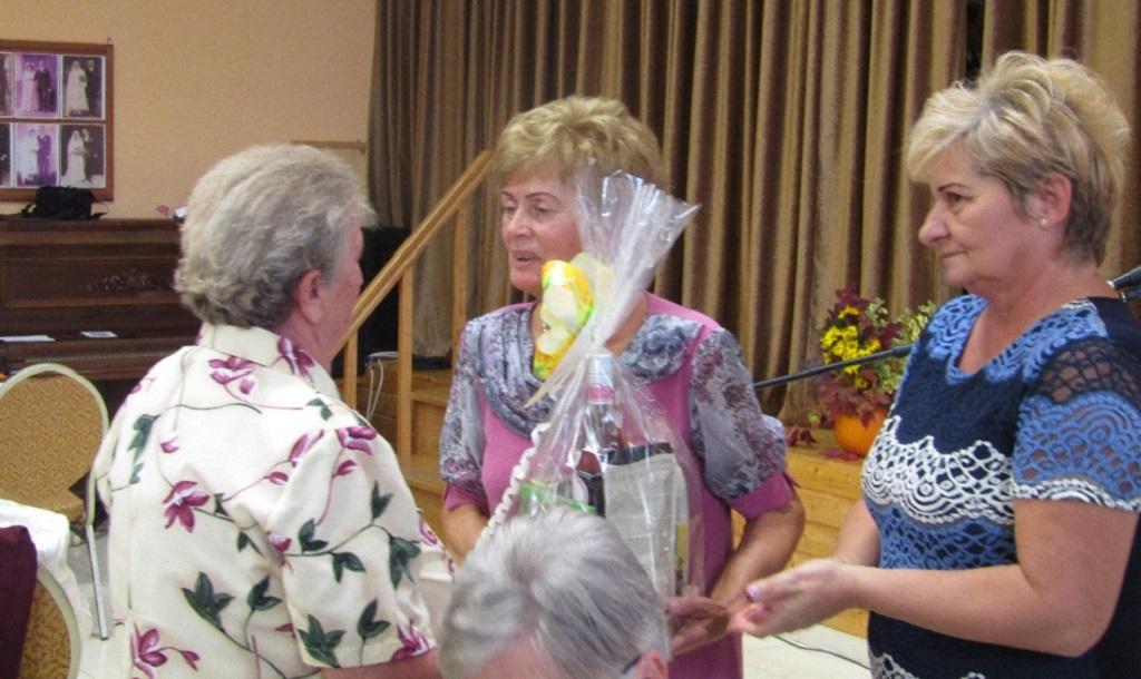 http://kolorline.hu/Tisztelet az időseknek