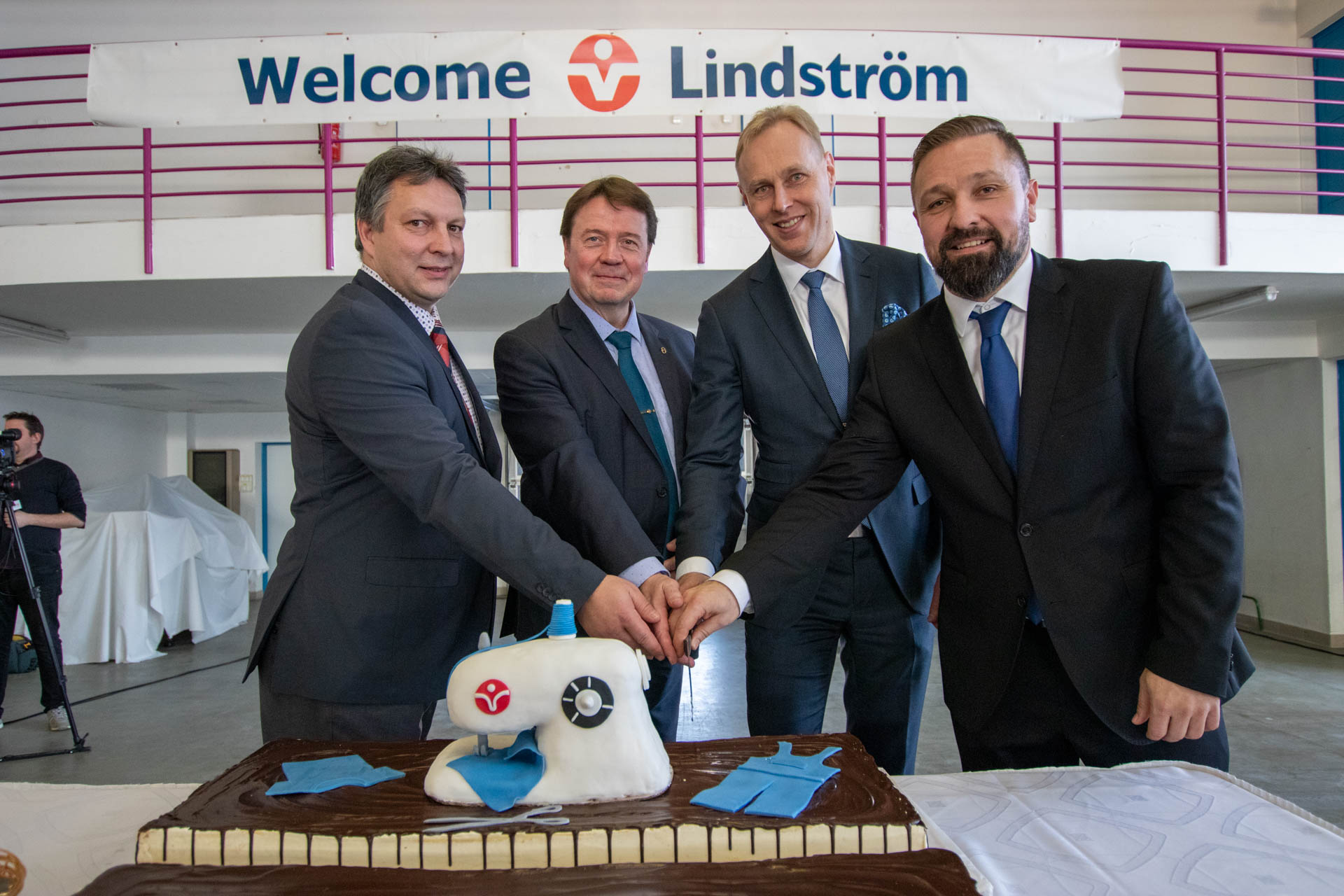 Lindström megnyitó