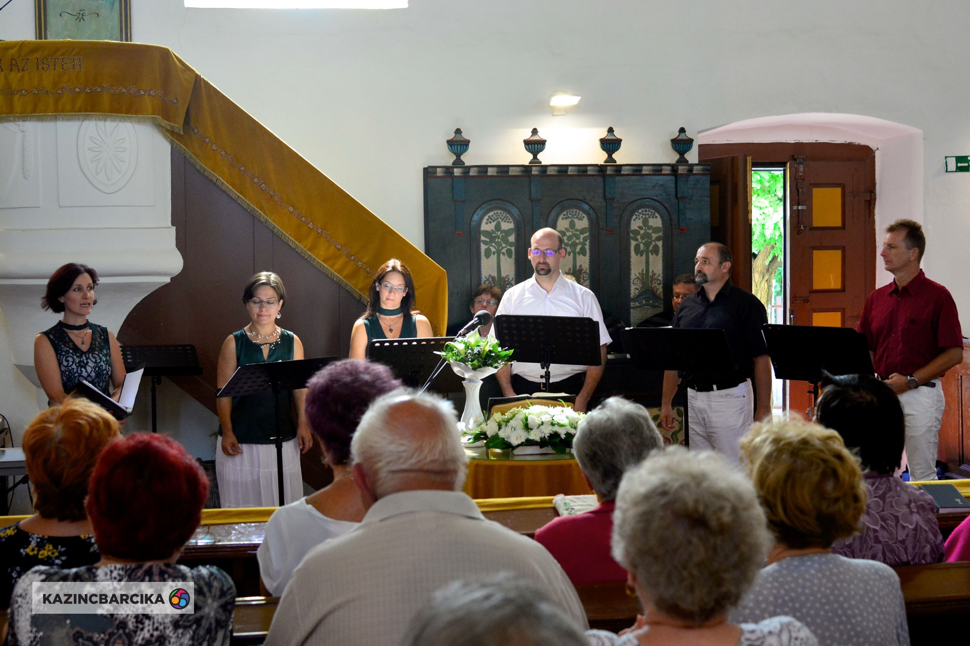 https://kolorline.hu/MusiColore Énekegyüttes - Muzsikáló templomok