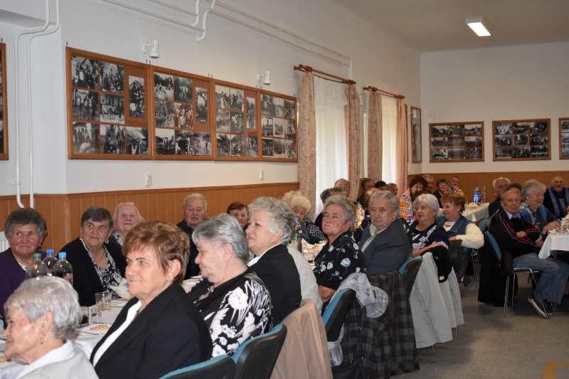 https://kolorline.hu/Az idősek tisztelete