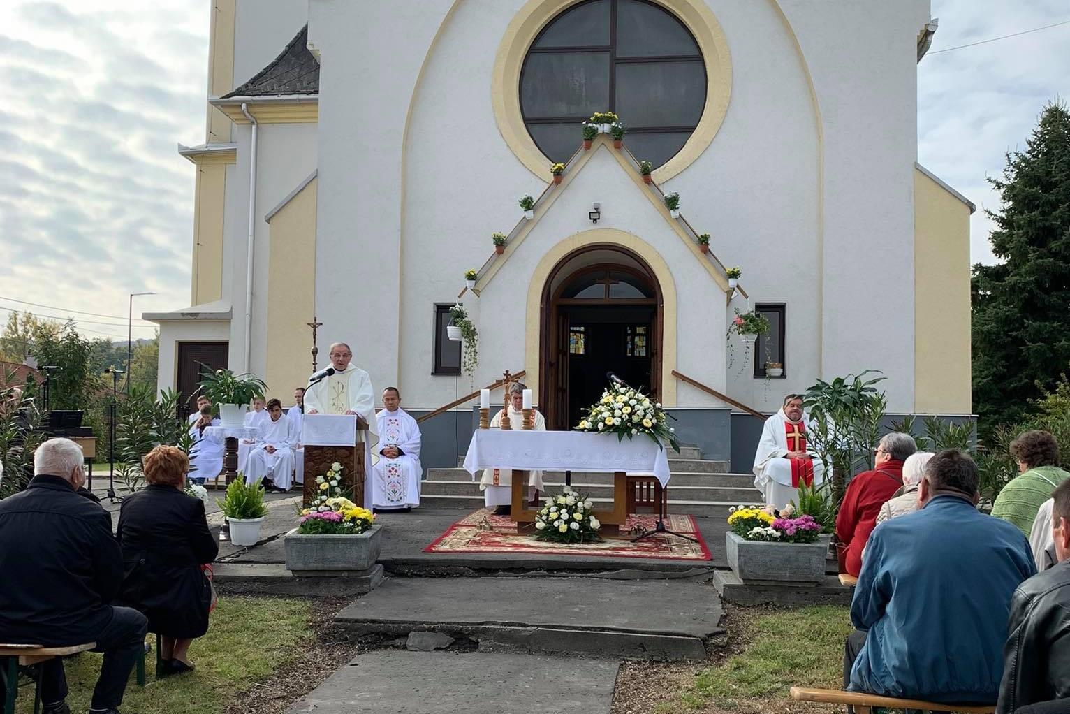 Búcsú az Avilai Szent Teréz római katolikus templomban