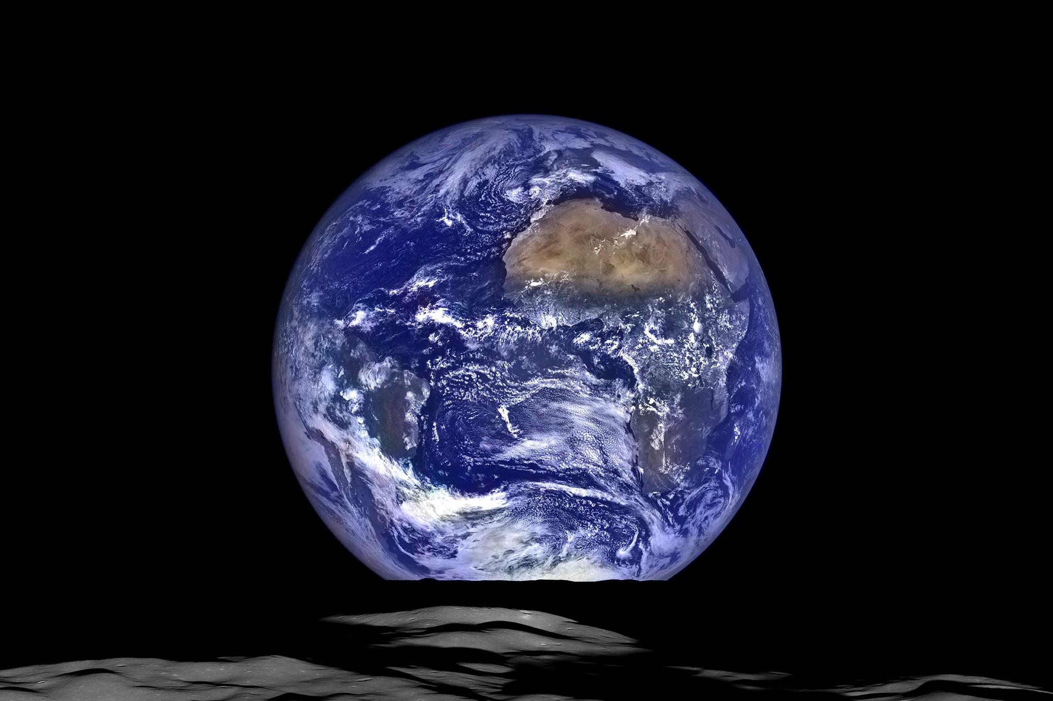 https://kolorline.hu/Ma van a Föld napja