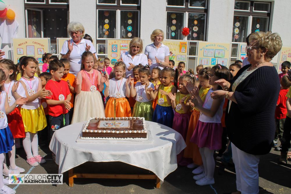 http://kolorline.hu/Hármas ünnep az Építők Úti Tagóvodában
