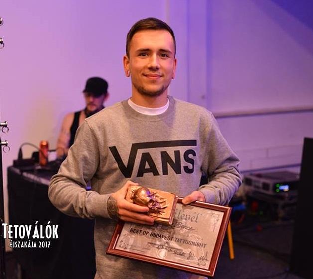 https://kolorline.hu/Kazincbarcikai srác a 2017-es Tetoválók Éjszakájának legjobbja