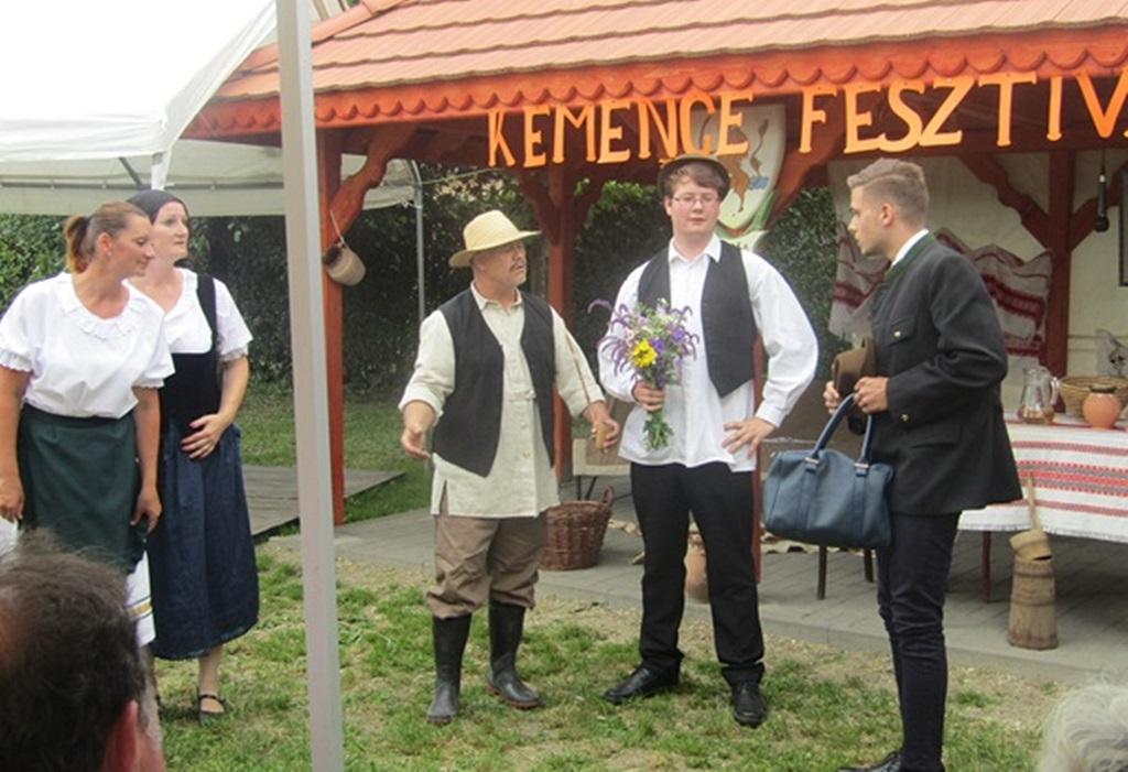 http://kolorline.hu/Kemence fesztivál Vadnán