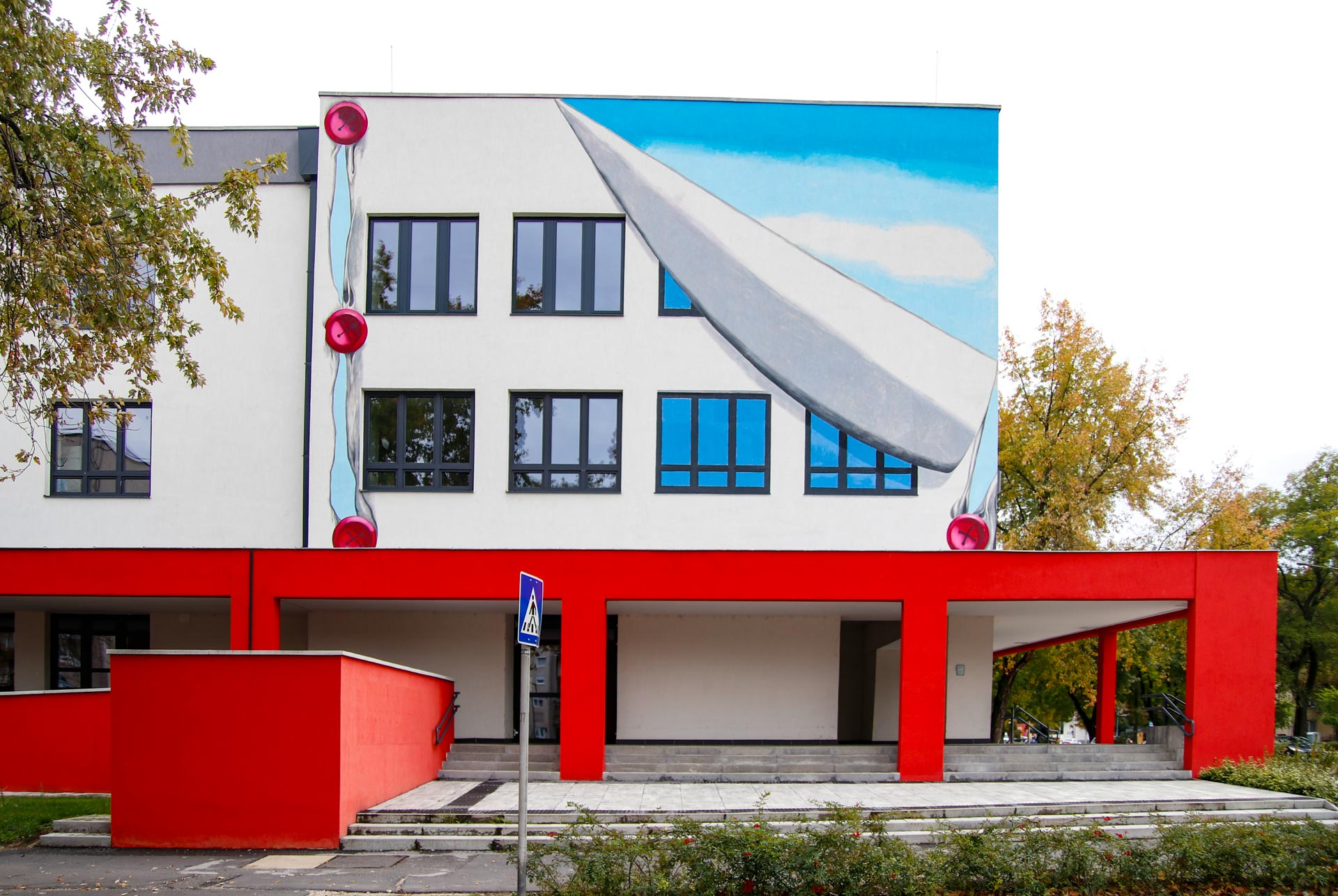 https://kolorline.hu/Elkészültek a legújabb színes házfalak