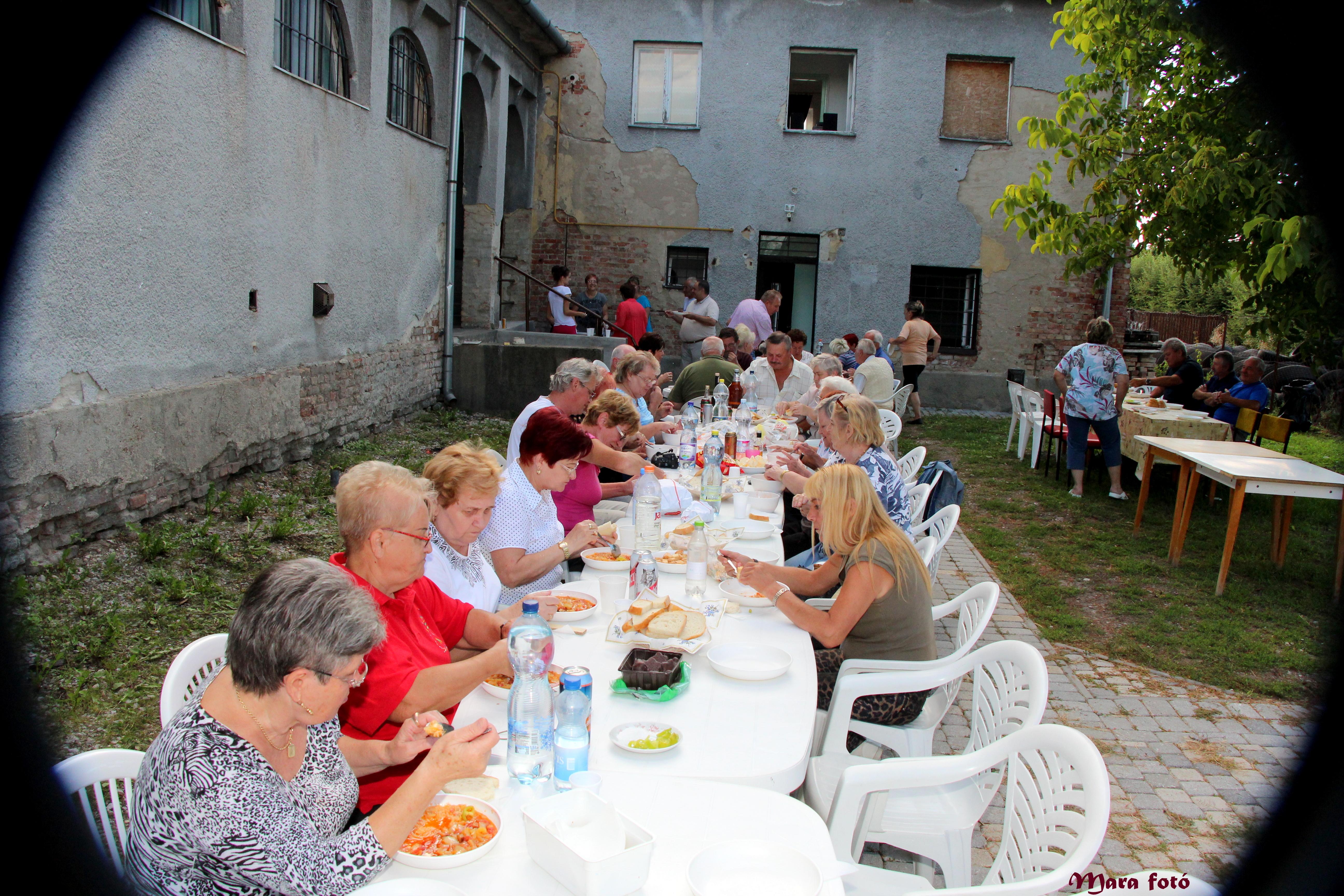 http://kolorline.hu/Lecsóparti Felső-Barcikán