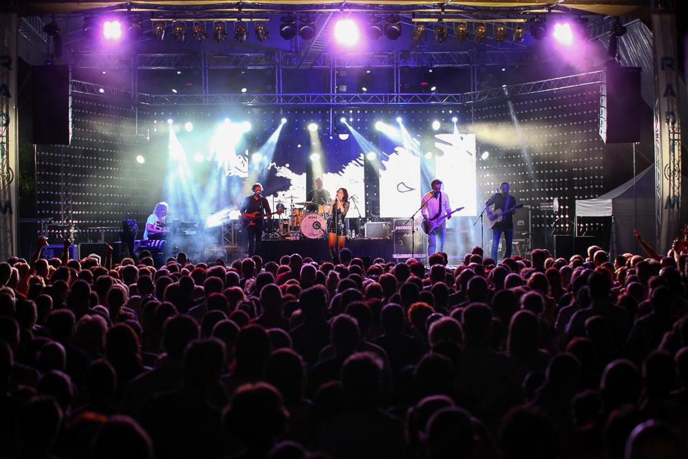 http://kolorline.hu/Rekordkísérlet, sport és könnyűzene a Kolorfesztiválon