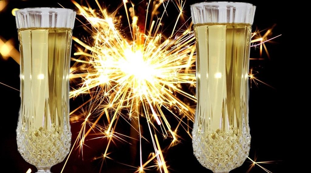 https://kolorline.hu/Az új évre koccintottunk!