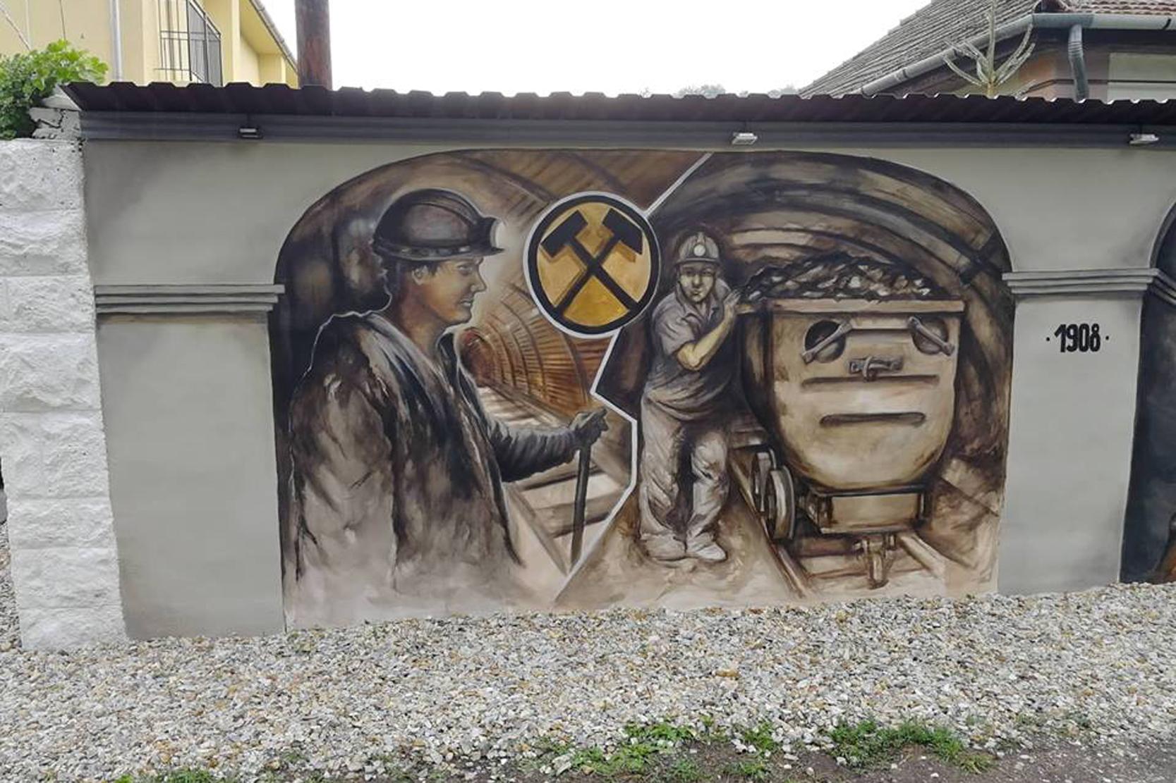 https://kolorline.hu/Emlékezés a hős bányászokra