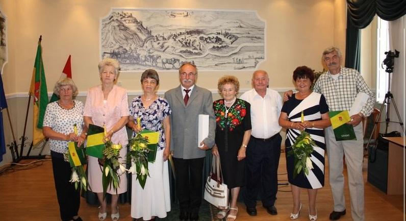 http://kolorline.hu/Szendrő születésnapját ünnepelték