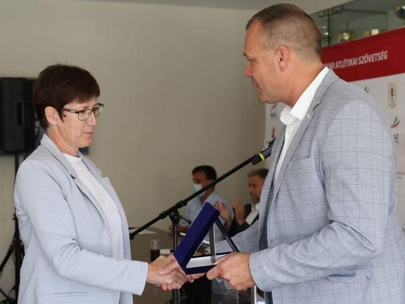 https://kolorline.hu/Nívós kitüntetéssel jutalmazták Tóthné Szepesi Éva munkásságát