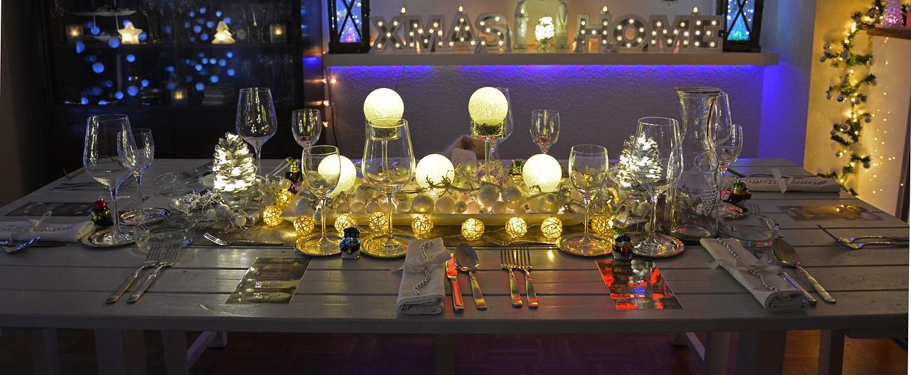 https://kolorline.hu/Meseszép asztali terítékek a karácsonyi vacsoraasztalhoz