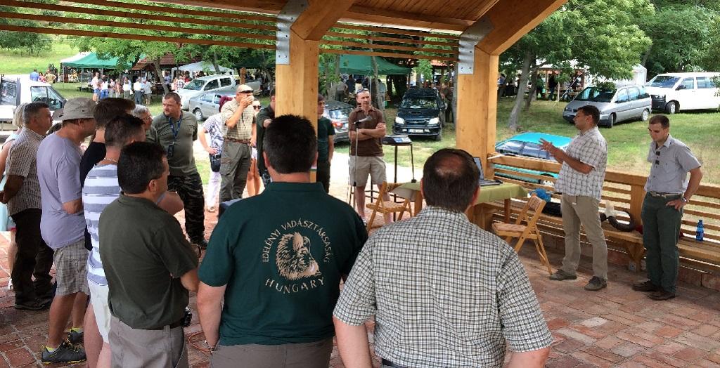 http://kolorline.hu/Vadásztalálkozón adták át a Császtai Közösségi Teret