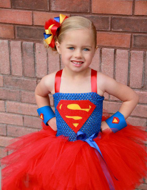 cd0bce36d9 Egészen trendi és menő lesz az idei farsangi buli, ha kislányod  SuperWomanként jelenik meg. Ugye?